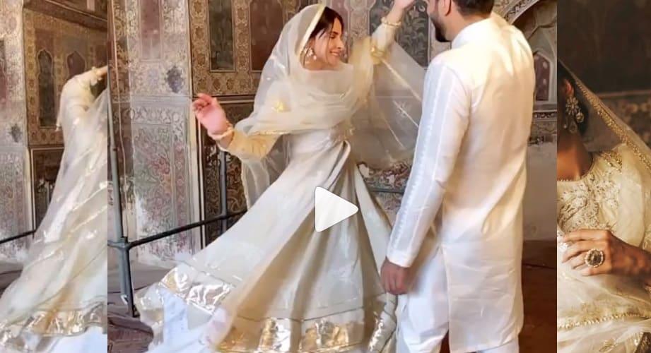 Saba Qamar, Bilal Saeed in Wazir Khan mosque in Lahore/Twitter