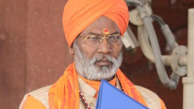 Photo of BJP MP Sakshi Maharaj gets death threat from Pak number