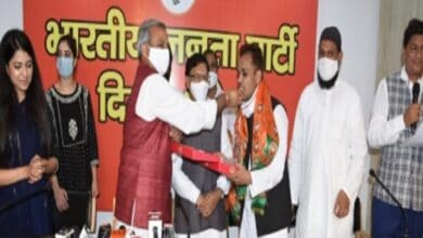 Photo of Shaheen Bagh activists join BJP; AAP alleges plot
