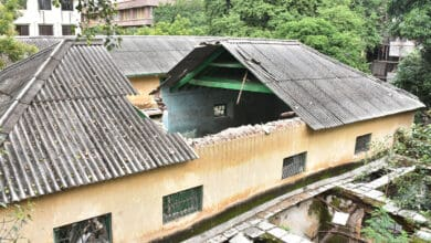 Photo of Roof of 154-year-old Sultan Bazaar Govt school collapses