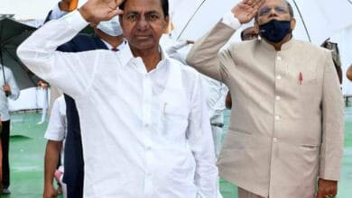 Photo of KCR hoists Tricolour amid low-key celebrations