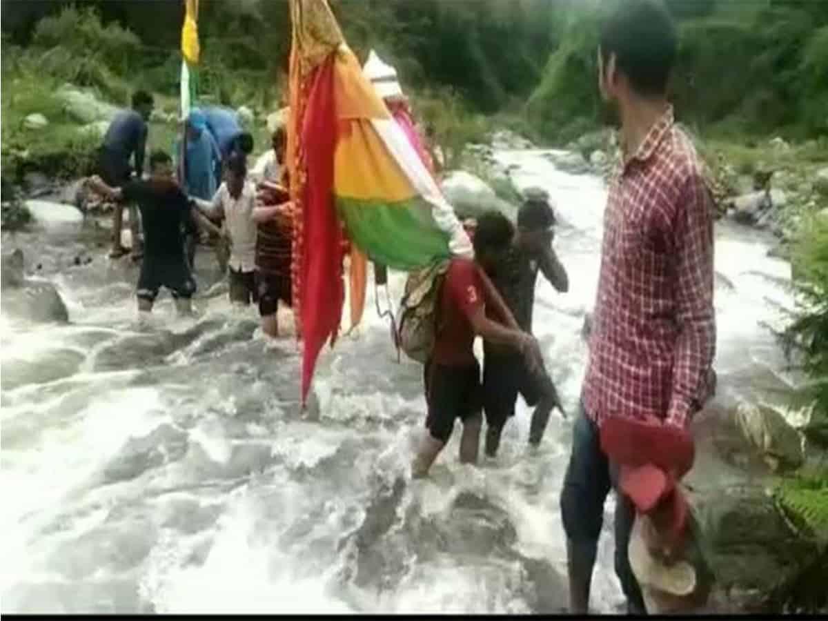 Lokajat Yatra begins in Uttarakhand, devotees carry Nanda Devi's 'doli' to Chota Kailash
