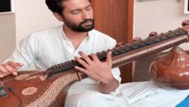 Photo of Vicky Kaushal treats fans with a sitar version of 'Ae Watan' on Independence Day