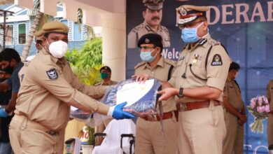 Photo of Commissioner congratulates 216 police officers who conquered COVID-19