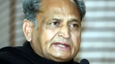 Photo of Will embrace rebel MLAs if high command forgives them: Gehlot