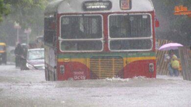 Heavy rain in Mumbai region; rail, road transport affected