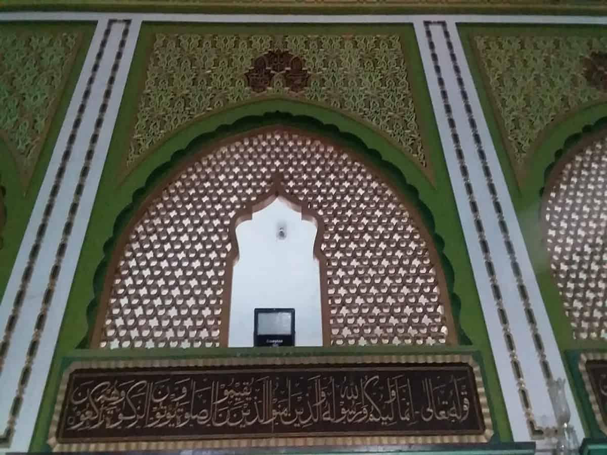 The intricate Jaali in Ashur Khana