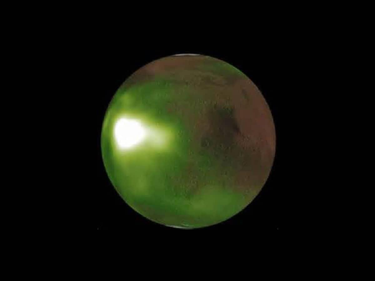 NASA probe spots Martian night sky pulsing in UV light - The Siasat Daily