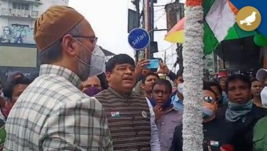 Photo of Asaduddin Owaisi hoisted National flag at Madina X Road