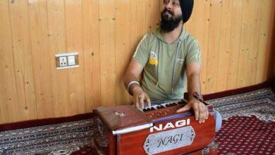 Photo of Youth emerges as singing sensation with blend of Punjabi-Kashmiri music