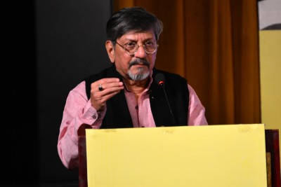 Amol Palekar: Delight to hear today's generation talk profoundly about 'Gol Maal'