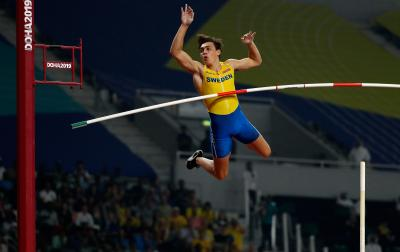 Armand Duplantis sets world outdoor record in Rome