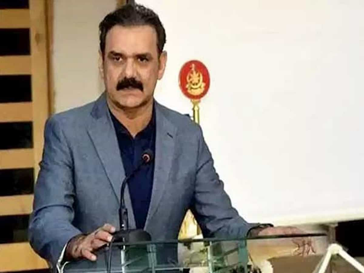 Pakistan: Imran Khan's top aide, Asim Bajwa resigns