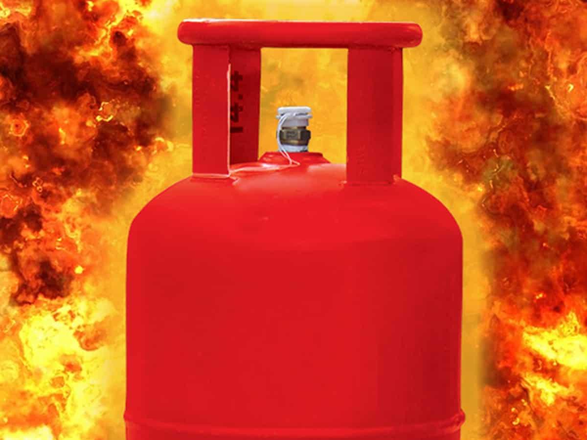 LPG cylinder explodes, child killed in Balrampur