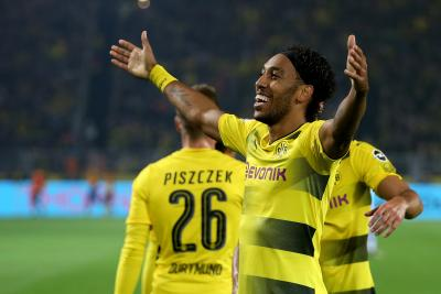 Boost for Arsenal as Aubameyang signs new contract