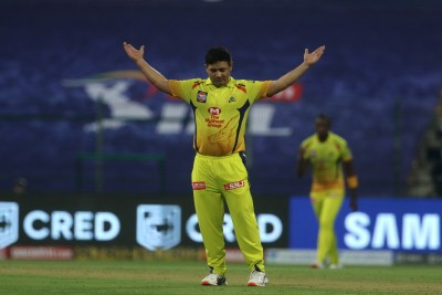 CSK restrict MI to 162/9 in opening IPL match