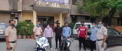 Cops take wheels off stunt bikers, 5 nabbed (Ld)