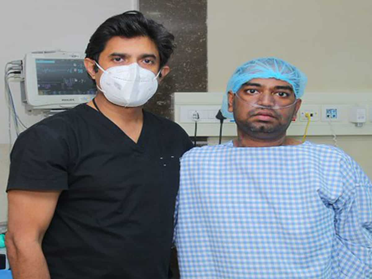 Doctors perform India's first double lung transplant on Covid patient