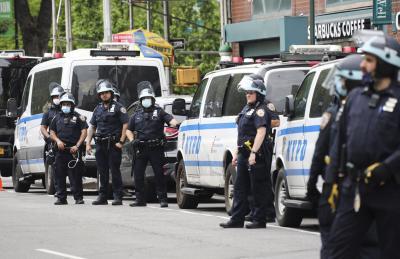 De Blasio, Cuomo clash over NYPD reform