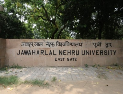 Deprived of education, slum kids receive classes from JNU students