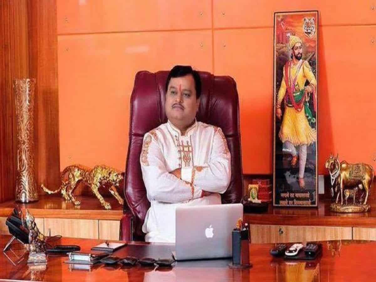 Sudarshan TV's Suresh Chavhanke