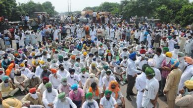 Photo of Haryana: Farmers protest against farm bills, block highways