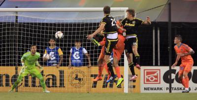 Goalkeeper Alves to miss Flamengo's Copa Libertadores return
