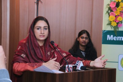 Harsimrat resigns from Union Cabinet over farm Bills