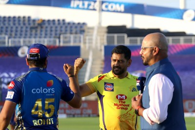 Have to applaud each CSK member for staying focussed: Dhoni
