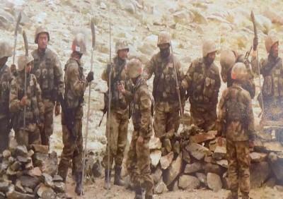 India, China troops within shooting range at Spanggur Gap