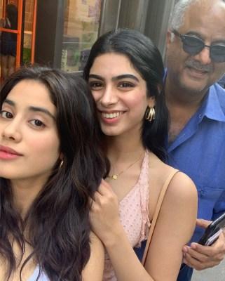 Janhvi, sister Khushi indulge in some filter banter on social media