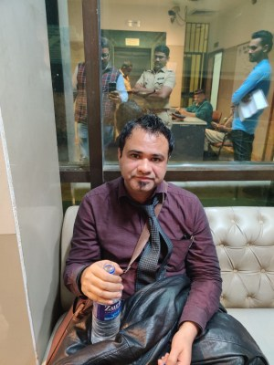 Kafeel Khan inches closer to Cong, may join politics