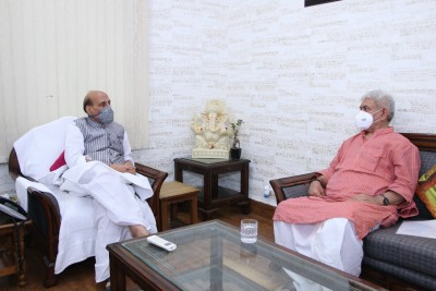 LG Manoj Sinha meets Rajnath, discusses law and order in Valley