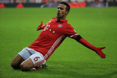 Liverpool complete signing of Thiago Alcantara from Bayern Munich