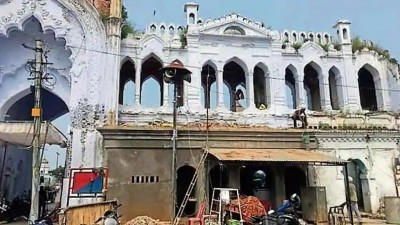 Lucknow's iconic Chhota Imambara's facade 'scarred' by police