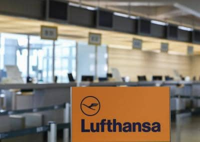 Lufthansa cancels all flights between Germany and India from Sept 30 (Ld)