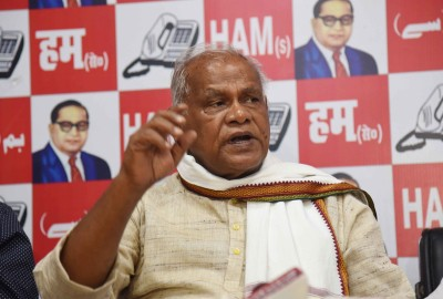 Manjhi to join NDA, angles for 10 assembly seats