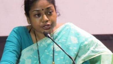 Photo of Jadavpur University professor faces casteist abuse on social media
