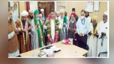Photo of Mohammed Saleem- Wakf Chairman felicitated by Islamic scholars