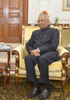 Opposition submits memorandum to Prez for 'fair probe' in Delhi riots