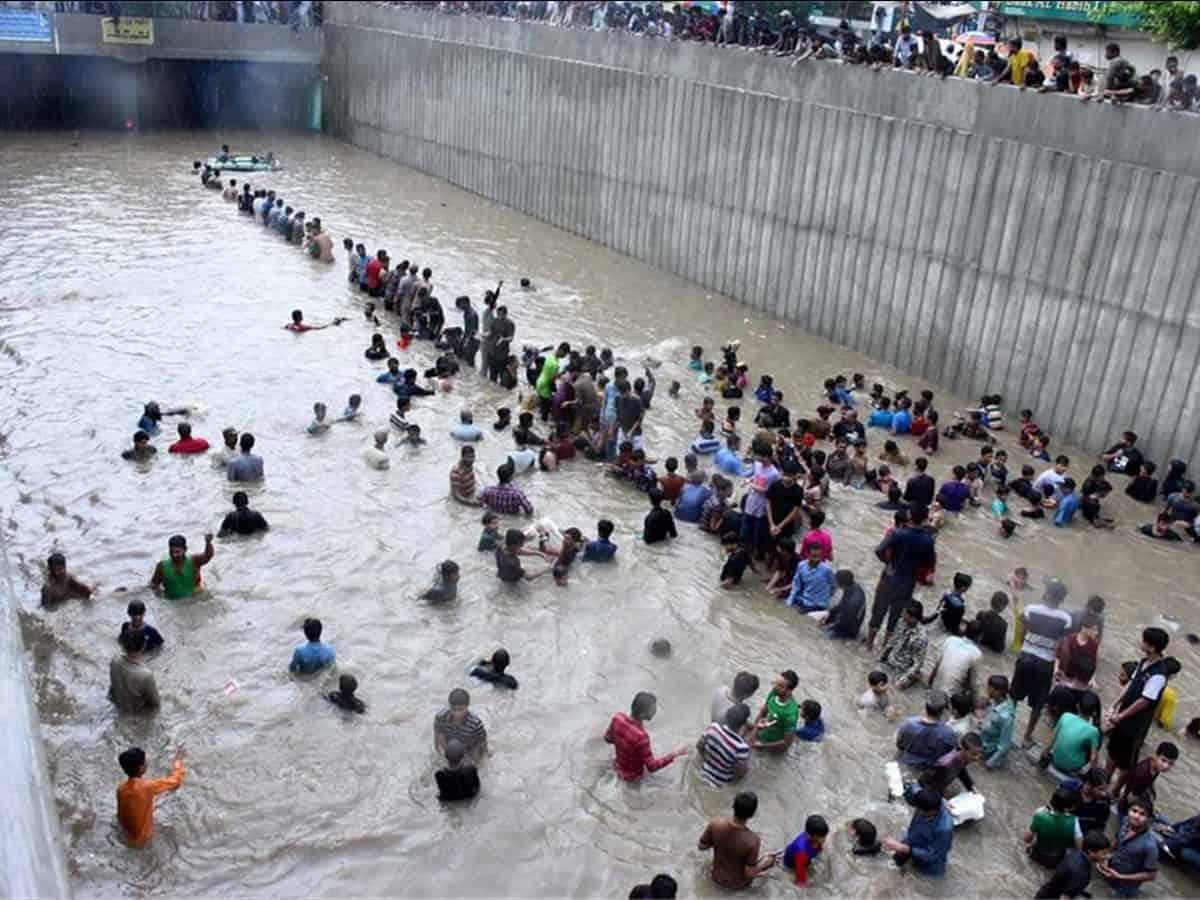 Incessant rains create flood-like situation in Pak rivers