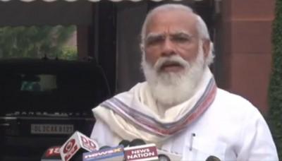 PM recounts anecdotes to praise Harivansh Narayan Singh