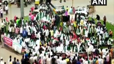 Photo of INTUC, Left parties protest against farm laws in Karnataka