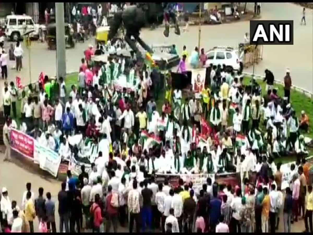 INTUC, Left parties protest against farm laws, land reform ordinances in Karnataka