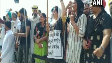 Photo of AAP workers protest against SAD in Bhatinda