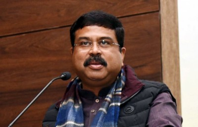 Pradhan urges Odisha CM to implement NDHM, Ayushman Bharat
