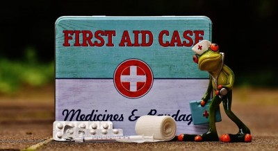 Prepping children to help during a medical emergency