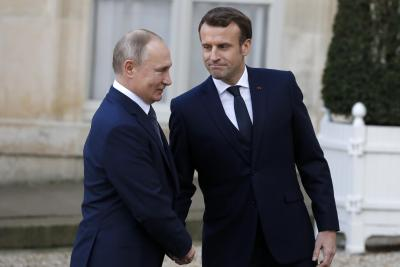 Putin, Macron discuss Navalny, Belarus, over phone