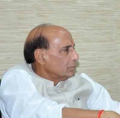 Rajnath condemns attack on Navy veteran, calls him (2nd Ld)