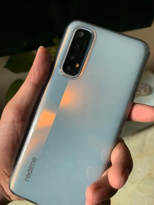 Realme 7: Fast charging, good overall performance